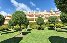 Apartments for sale in Malaga. Garden Apartment-Los Flamingos Golf Resort
