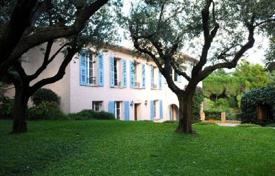Luxury 5 bedroom houses for sale in Cannes. Villa – Cannes, Côte d'Azur (French Riviera), France