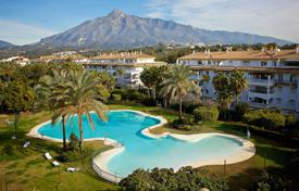 2 bedroom apartments for sale in Andalusia. Fabulous New Apartment, Dama de Noche, Nueva Andalucia, Marbella