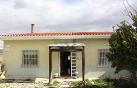 Residential for sale in El Pinós. Villa with a covered terrace and a garden, Pinoso, Spain