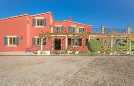 5 bedroom houses by the sea for sale in Spain. Villa with a guest house, a swimming pool and a terrace, Pollensa, Spain