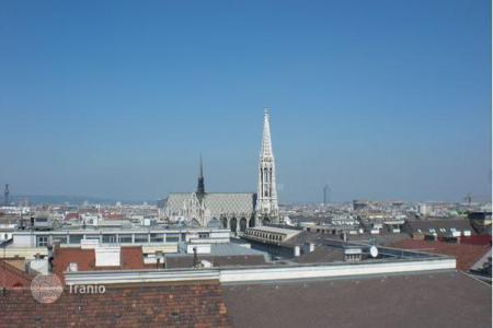 Luxury apartments for sale in Vienna. Luxury penthouse apartment (1 — st district), near the Town Hall