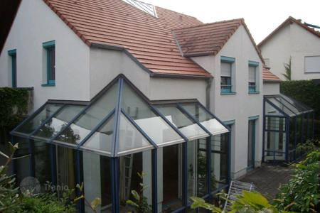 6 bedroom houses for sale in Central Europe. Representative house for a big family in Weil der Stadt