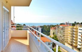 Residential for sale in Estoril. New apartments with views of the sea and mountains in Cascais, Portugal