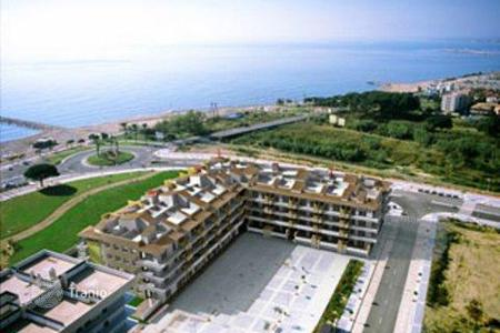 Cheap apartments with pools for sale in Cambrils. Apartment - Cambrils, Catalonia, Spain