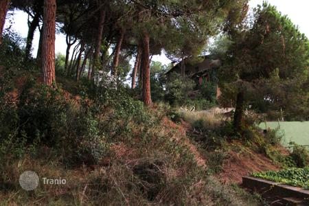 Cheap land for sale in Catalonia. Opportunity to buy a plot of land