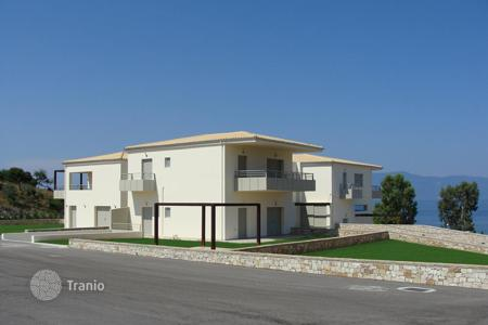 Coastal commercial property in Southern Europe. Livanates Fthiotida. Seaside newly built complex of 11 apartments of 800 sqm, for sale