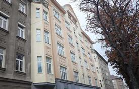 Residential for sale in Favoriten. Apartment with terrace in a historic building with stunning views over Vienna, in the 10th district of Vienna