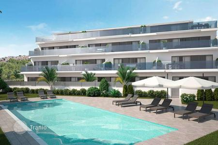 2 bedroom apartments by the sea for sale in Benidorm. Luxury apartments with private garden and panoramic sea views in Benidorm