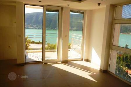 Apartments for sale in Herceg Novi (city). Apartment with beautiful views of the sea in Herceg Novi