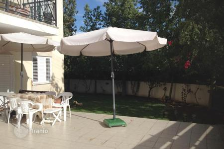 2 bedroom apartments for sale in Nicosia. Ground floor 2 Bed apartment with 90m² yard and 40m² verandah