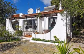 Property for sale in Santa Bárbara de Nexe. Traditional 3 Bedroom House with Pool and Sea Views next to Santa Bárbara de Nexe