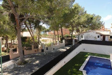 4 bedroom villas and houses to rent in Balearic Islands. Villa – Santa Ponça, Balearic Islands, Spain