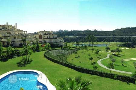 3 bedroom apartments for sale in Andalusia. Apartment for sale in Los Capanes del Golf, Benahavis