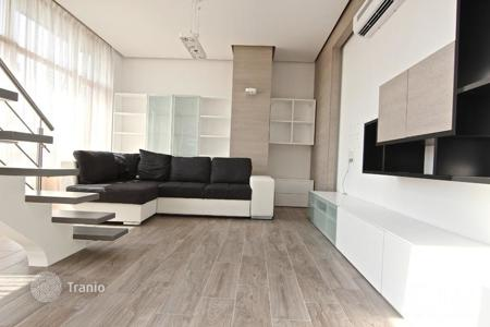 Residential for sale in Latvia. Property in the center of Riga with the possibility of a free residence permit! Spacious 2-level 4-room apartment with a terrace!