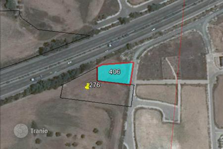 Land for sale in Oroklini. Building Plot