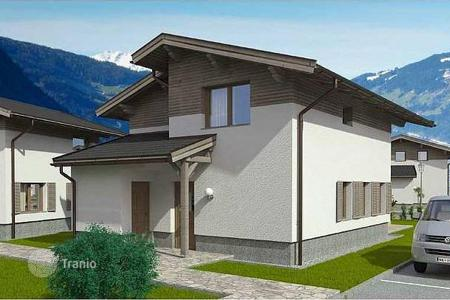 Off-plan houses for sale in Central Europe. New three-bedroom chalets with a sauna and car parking for rent, a few minutes from the ski lift, Rauris, Austria