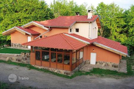 5 bedroom houses for sale in Bulgaria. Detached house – Lovech, Bulgaria