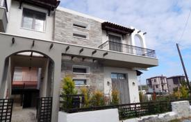 Coastal townhouses for sale in Moudania. Terraced house – Moudania, Administration of Macedonia and Thrace, Greece