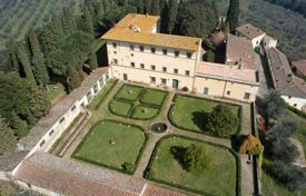 Houses with pools for sale in Florence. Country seat – Florence, Tuscany, Italy