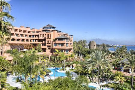 3 bedroom apartments for sale in Costa del Sol. Magnificent Penthouse in Private Wing Kempinski Hotel, Estepona