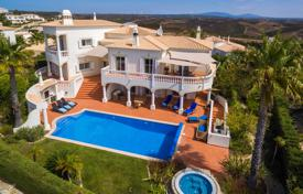 Residential for sale in Budens. 4 Bedroom golf villa with 360 views, pool and Jacuzzi, Budens, West Algarve