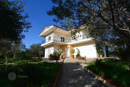 Coastal residential for sale in Peloponnese. Furnished villa in Peloponnese, Greece. Just 600 meters from the sea. Well maintained garden