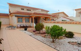 3 bedroom houses for sale in Los Dolses. 3 bedroom villa with private plot, solarium and summer dining area in Los Dolses, Orihuela Costa