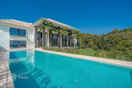 Coastal houses for sale in Costa del Sol. Amazing Modern Villa in La Zagaleta, Benahavis