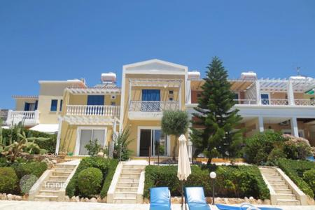 Coastal townhouses for sale in Paphos. Terraced house – Peyia, Paphos, Cyprus