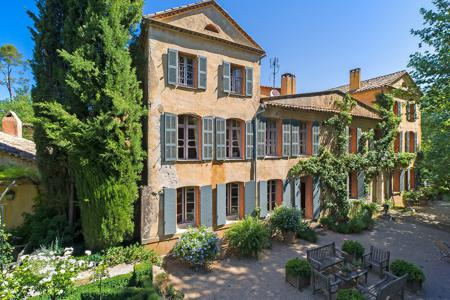 Luxury houses for sale in Brignoles. Exquisite Wine Estate in the Var