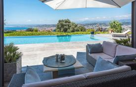 4 bedroom houses for sale in Nice. Nice — Mont Boron — Modern villa
