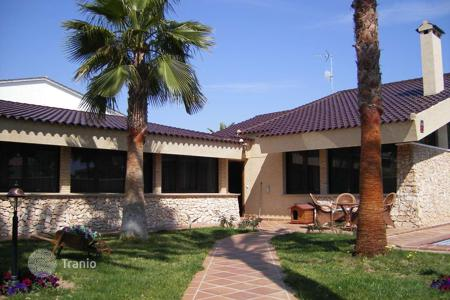 2 bedroom houses for sale in Valencia. MODERN VILLA WITH PRIVATE POOL AND SAUNA IN ATTRACTIVE AREA IN LA ZENIA