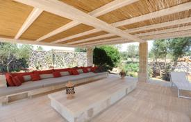 Comfortable villa with a terrace, a pool and a huge plot, Specchia, Apulia, Italy for 2,730,000 €