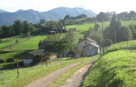 Residential for sale in Pau. Agricultural estate, at the foot of the Pyrenees, 25 km south of Pau, France