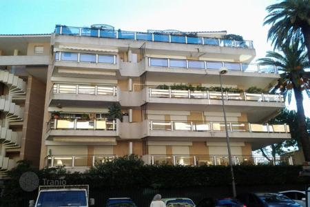 Cheap residential for sale in Cannes. Apartment - Cannes, Côte d'Azur (French Riviera), France