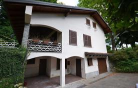 Villa – Ispra, Lombardy, Italy. Price on request