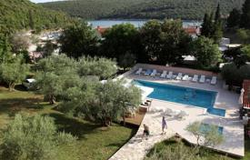 Property for sale in Istria County. Three-star hotel with swimming pool and restaurant by the sea near Pula