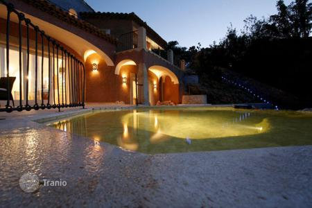 Houses with pools for sale in Sardinia. Villa – Sardinia, Italy