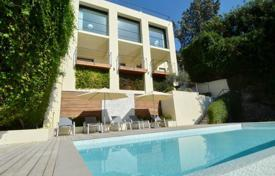 Residential for sale in Roquebrune — Cap Martin. Spacious seaview villa with large terraces, on a plot with a garden, a pool and a garage, Roquebrune — Cap Martin, Cote d'Azur