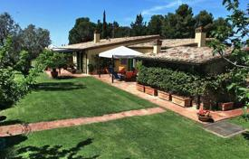 Ancient villa with a swimming pool in an elite golf club, Gavorrano, Tuscany, Italy for 1,350,000 €