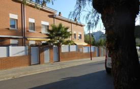 Property for sale in Montgat. House for sale in residential area of Montgat with a swimming pool and a garden!