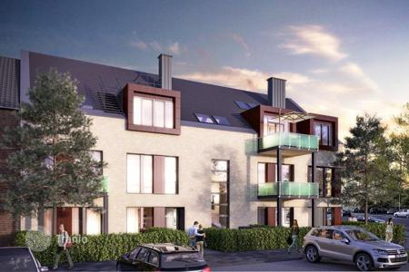 Property for sale in North Rhine-Westphalia. Duplex apartment with terrace and garden, close to the river Rhine, in the district of Oberkassel, Düsseldorf