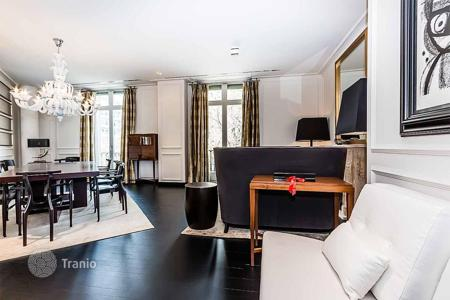 Luxury residential for sale in L'Eixample. Renovated apartment with terrace, in the center of Barcelona, Spain