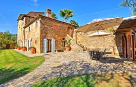 5 bedroom villas and houses to rent in Cortona. Villa – Cortona, Tuscany, Italy