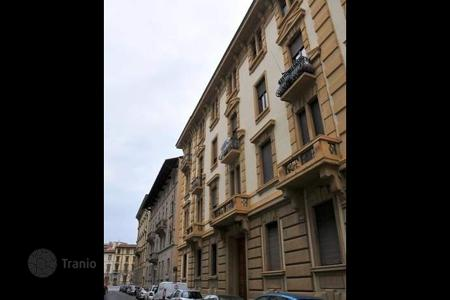 6 bedroom apartments for sale in Italy. Apartment – Florence, Tuscany, Italy