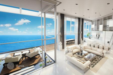 Apartments with pools by the sea for sale in Israel. Sea view apartment with balcony, in 400 meters from the beach, in Netanya, Israel