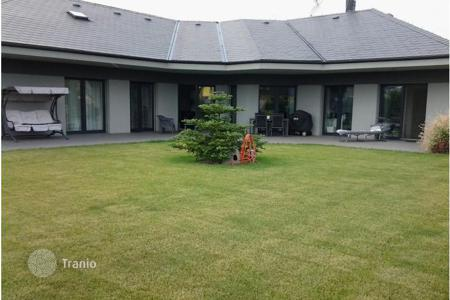 3 bedroom houses for sale in the Czech Republic. Detached house – Jesenice, Central Bohemia, Czech Republic