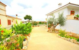 4 bedroom houses for sale in Majorca (Mallorca). Villa – Palmanova, Balearic Islands, Spain
