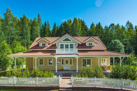4 bedroom houses for sale in Finland. Two-storey cottage with a garden, a swimming pool and a spacious terrace, surrounded by a picturesque park, Porvoo, Finland